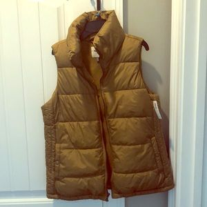 NWT Old navy first puffer vest green